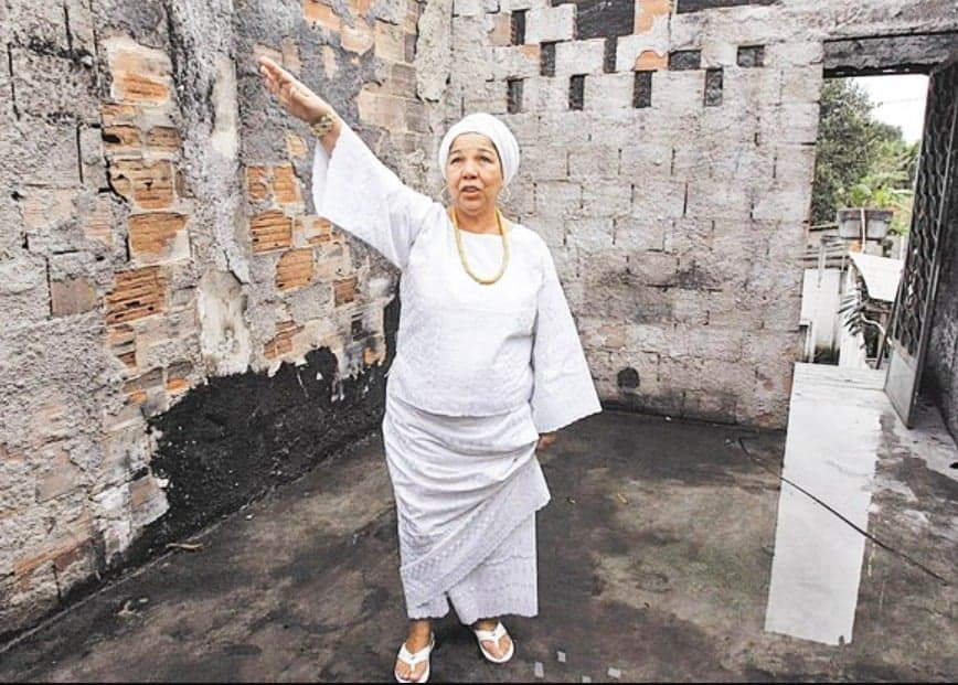 Igreja Evangélica faz doação para reconstruir Terreiro de Candomblé no RJ 2