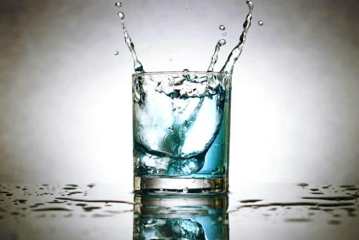 Água fluidificada: conheça um jeito simples de magnetizar 1