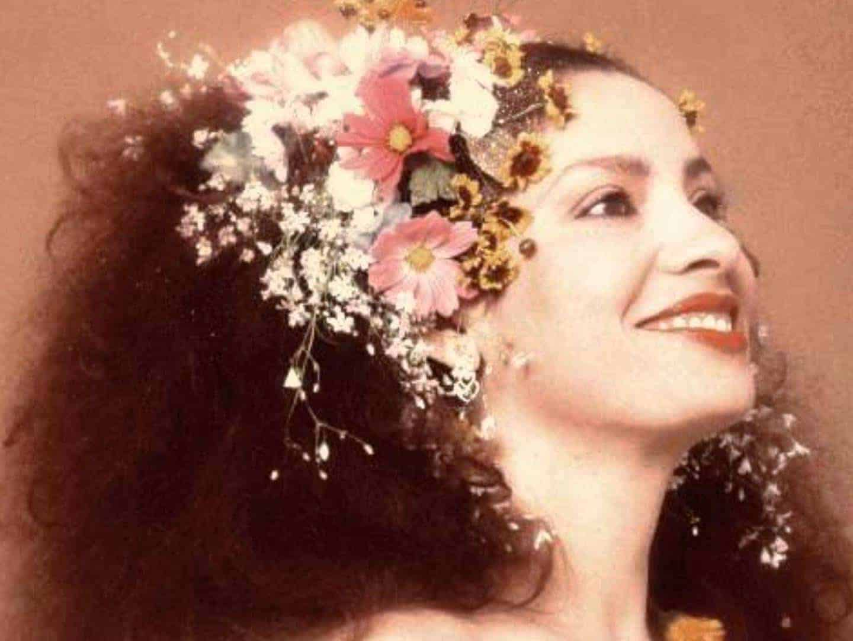 Clara Nunes é tema de livro e samba enredo 3