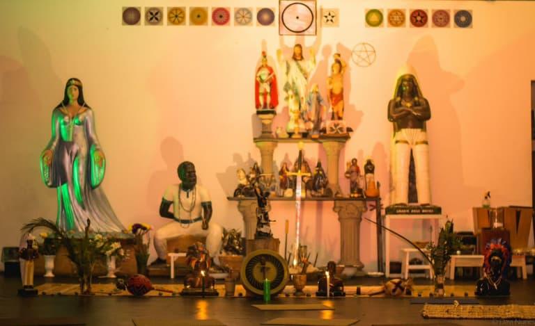 Altares na Umbanda: importância e sincretismo