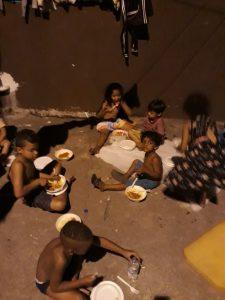 Guerreiros Solidários mobiliza voluntários e distribui refeições a moradores de rua em SP 1