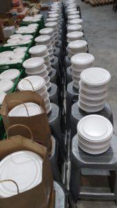 Guerreiros Solidários mobiliza voluntários e distribui refeições a moradores de rua em SP 10