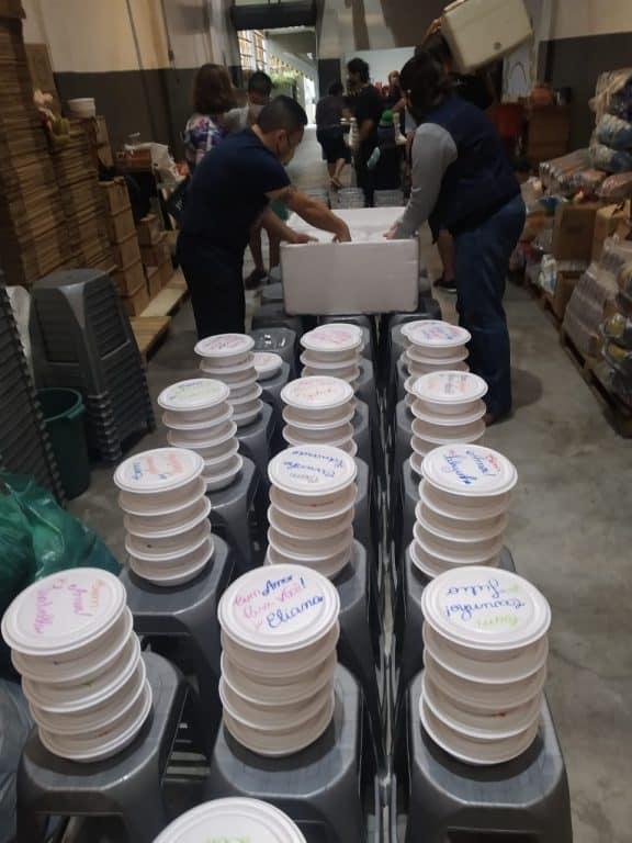 Guerreiros da Jurema distribui alimentos e refeições há um ano em SP 7