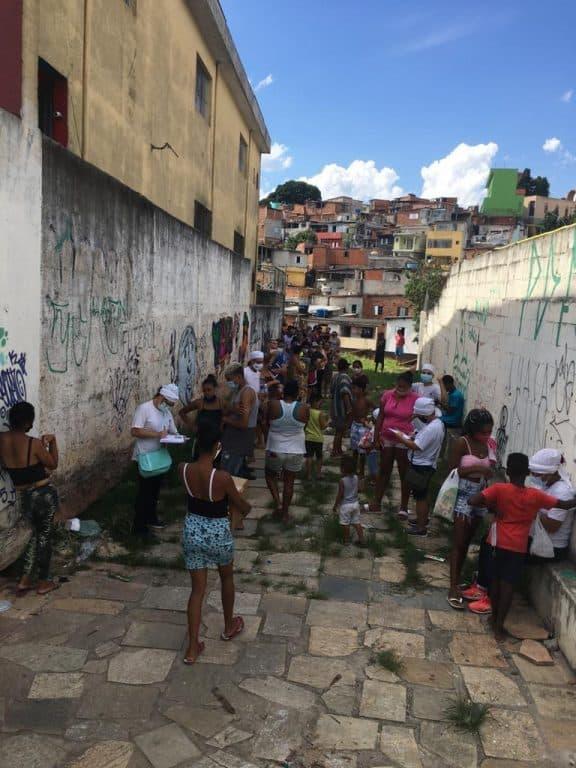 Instituto CEU Estrela Guia realiza ação social na pandemia 7