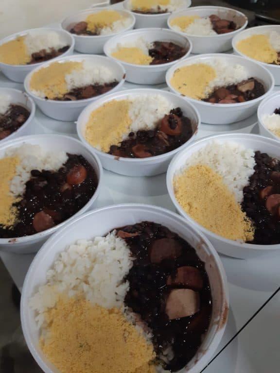Guerreiros da Jurema distribui alimentos e refeições há um ano em SP 3