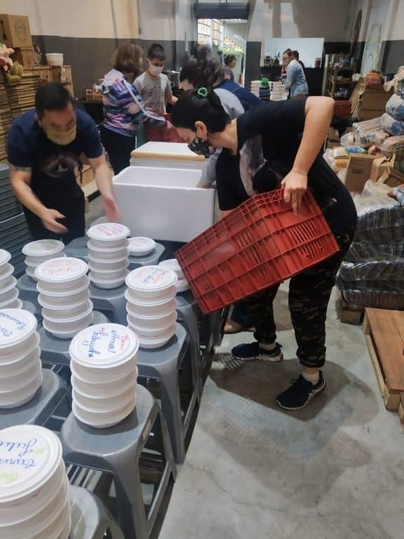 Guerreiros da Jurema distribui alimentos e refeições há um ano em SP 8
